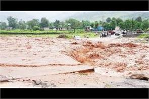 flash flood in mendhar one womwn died