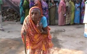 90 years old woman are also participating in bihar election