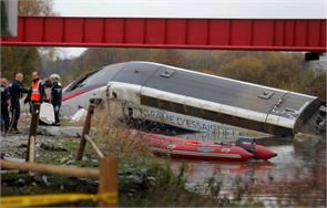 train derails in eastern france one dead