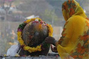 if such prayers will be partaker of the sins of shivling