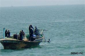 bsf seizes pakistani boat off gujarat coast