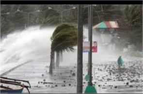 powerful storm ten knocked in philippine