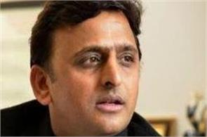 banks and atm in the line of two lakh to the kin of those who died will akhilesh