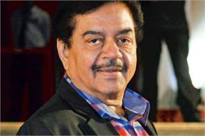 shatrughan says narender modi is dashing and dynamic pm