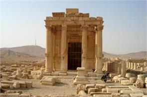 the palmyra assad congratulates putin on victory