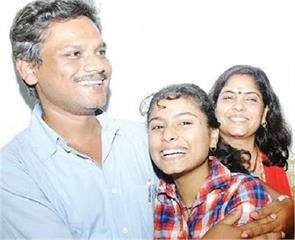marine engineer santosh bhardwaj rescued from pirates in nigeria