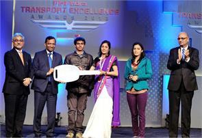 woman truck driver yogeeta raghuvanshi