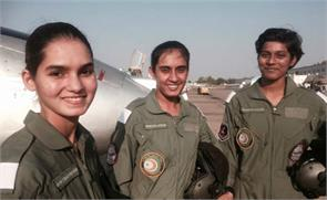 female fighter pilots