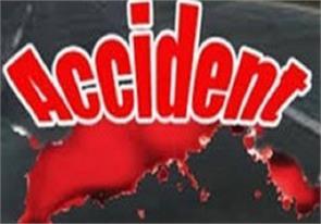 mini maxi truck vehicle collision killed five
