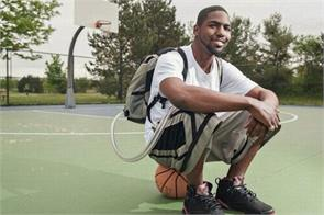 this man carried his heart in a backpack for over a year
