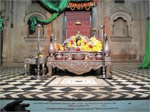 true story sri radharaman temple