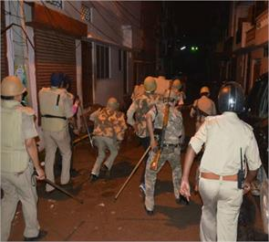 lucknow beatings police injured