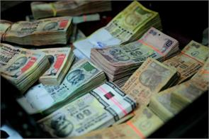 Rupee inches up 6 paise against dollar in early trade