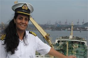 indian 1st woman to get bravery at sea award