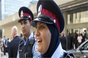 female police officers in canada are allowed to wear hijab