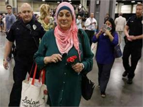hijab clad muslim woman evicted from trump rally