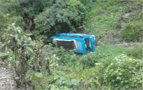 ditch private bus death injured