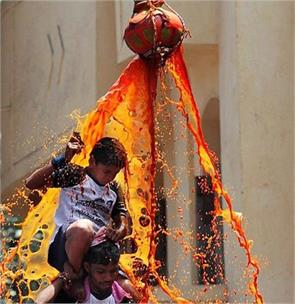 sc directs that person below 18 years of age cannot participate in forming dahi handi