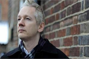swedish prosecutors questioned assange