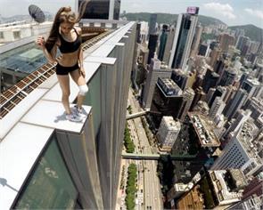 dangerous selfies and stunts of russian roofer