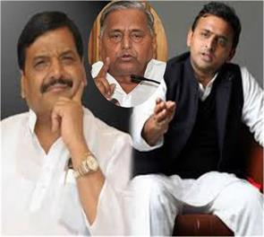 ruckus sp supporters out of office in akhilesh shivpal supporters beat the odds
