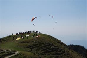 paragliding bandla valley billing