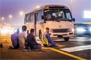 fine for roadside parking during prayers in dubai