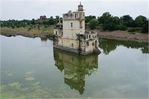 take a look at the palace of rani padmavati
