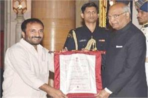 president honours anand kumar of super 30