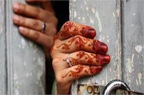 girl demand boy to become a hindu