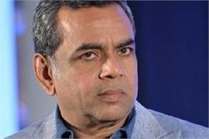paresh rawal compares the  kings to monkeys