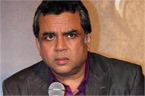 paresh rawal furiously on farooq abdullah over statements of pok