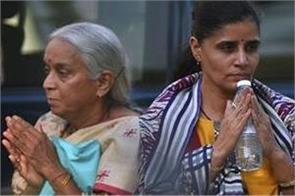 how kulbhushan jadhav  s mother was treated by pakistan media