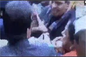 congress mla asha kumari assaults woman constable and gets slapped back