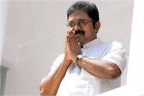 aiadmk sacked six officials for supporting dinakaran