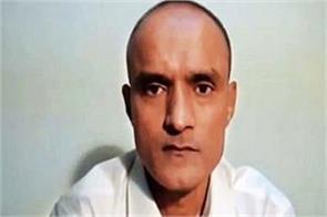 pakistan issues visa to kulbhushan jadhav s wife and mother