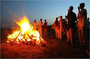 muslims perform the last rites of hindu woman