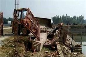 problems of gayatri prajapati  the bulldozers run on illegal construction