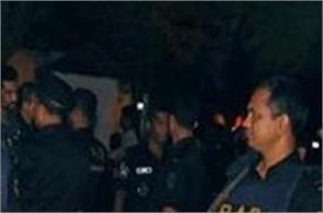 dhaka  cafes  nurl islam  police