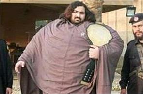 pakistani hulk man  eats 36 eggs in breakfast