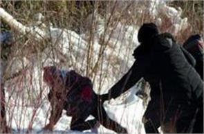 22 migrants flee us to seek asylum in canada