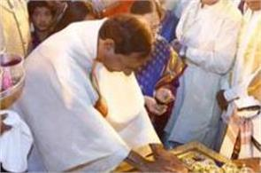 telangana cm offer gold worth 5 crore at tirupati mandir