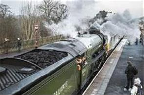 traditional rail engine scheduled main line service in britain again