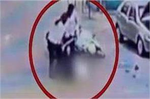 tn  aiadmk local leader killed  the accused surrender
