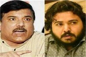 violence in aap starts to rise against sanjay singh and durgesh pathak