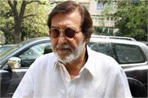 actor politician vinod khanna star of films like amar akbar anthony dies at 70