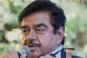shatrughan sinha has political advice for rajinikanth