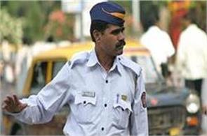 dcp asks junior traffic cops to click selfies while on duty