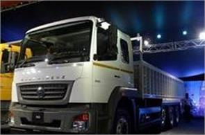 daimler launches new series of bharatbanj trucks with bsiv standard