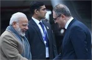 pm modi arrives in russia  discusses many issues with putin